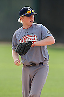 January 16, 2010:  Kyle Asher (Louisville, KY) of the Baseball Factory Midwest Team during the 2010 Under Armour Pre-Season All-America Tournament at Kino Sports Complex in Tucson, AZ.  Photo By Mike Janes/Four Seam Images