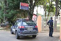 VINHEDO, SP 25.06.2019 - POLICIA/CARCERE PRIVADO - O casal de Vinhedo que manteve uma idosa de 63 anos por mais de 20 anos em cárcere privado teve a prisão preventiva decretada pela Justiça nesta terça-feira (25), horas após o caso ser revelado. <br /> <br /> O casal, Élcio Pilli Júnior e Marina Okido, morava na Vila João 23. Eles foram indiciados por sequestro, cárcere privado, tortura e estelionato. A prisão preventiva vale até que uma nova decisão da Justiça seja tomada. Marina foi encaminhada para a cadeia de Itupeva e o marido para a penitenciária de Jundiaí. <br /> <br /> O caso foi descoberto após moradores da casa serem procurados pela Polícia Civil por passarem cheque sem fundo no comércio da cidade. O casal acabou preso.<br /> Nesta terça-feira (25) a noite, a irmã da idosa de 63 anos se encontrou com a vítima em um abrigo de Vinhedo (SP). (Foto: Denny Cesare/Código19)