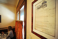 "Il ristorante ""La Campana"" è uno dei locali più antichi di Roma..The restaurant ""La Campana"" is one of the oldest in Rome.."