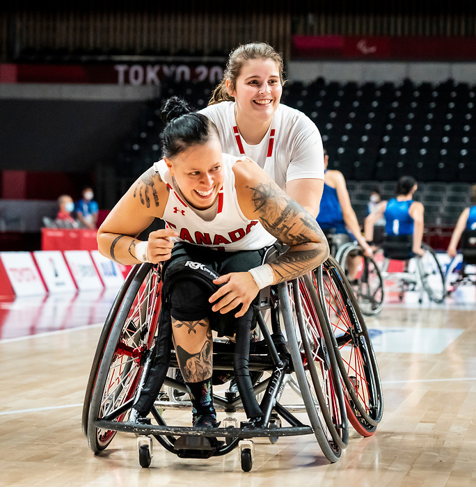 Cindy Ouellet and Sandrine Berube, Tokyo 2020 - Wheelchair Basketball // Basketball en fauteuil roulant.<br /> Canada takes on the USA in the wheelchair basketball quarterfinal // Le Canada affronte les États-Unis en quart de finale de basketball en fauteuil roulant. 31/08/2021.