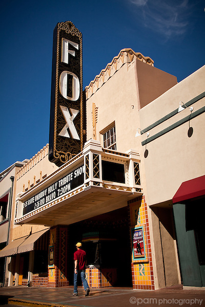 Street scene with Fox Theater