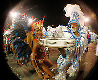 SAO PAULO, SP, 19 DE FEVEREIRO 2012 - CARNAVAL SP - PEROLA NEGRA - Katia Salles musa da bateria  da escola de samba Perola Negra momentos antes do desfile na segunda noite do Carnaval 2012 de São Paulo, no Sambódromo do Anhembi, na zona norte da cidade, neste domingo.(FOTO: ALE VIANNA - BRAZIL PHOTO PRESS).