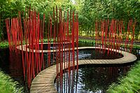 """France, Loir-et-Cher (41), Chaumont-sur-Loire, domaine de Chaumont-sur-Loire, dans les prés du Goualoup, jardin chinois """"Carré et rond"""" par Yu KONGJIAN( jardin permanent)"""