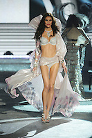 NON EXCLUSIVE PICTURE: MATRIXPICTURES.CO.UK.PLEASE CREDIT ALL USES..UK RIGHTS ONLY..American model Hilary Rhoda is pictured on the runway during the 2012 Victoria's Secret lingerie fashion show, held at New York's Lexington Avenue Armory. ..NOVEMBER 7th 2012..REF: GLK 125134 /NortePhoto