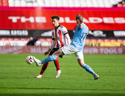 31st October 2020; Bramall Lane, Sheffield, Yorkshire, England; English Premier League Football, Sheffield United versus Manchester City; Kevin De Bruyne of Manchester City comes in to block a pass from Ethan Ampadu of Sheffield United