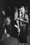 ANITA EKBERG CON ILONA STALLER<br /> JACKIE O' ROMA 1979