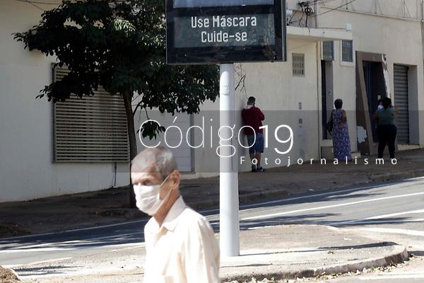 Campinas (SP), 28/04/2021 - Clima - Novos relogios digital são instalados na cidade de Campinas (SP).