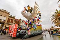 Europe, Italy, Tuscany, Viareggio, the chariot entitled the peace of crystal.ofFabrizio Galli, ready for the parade