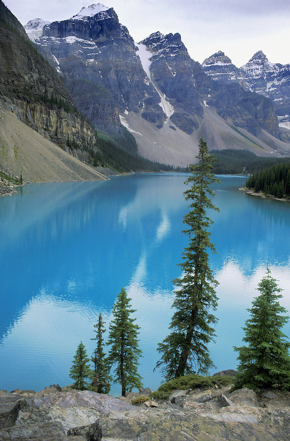Moraine Lake and Valley of the Ten Peaks, Banff National Park, Alberta.