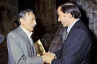 - Silvio Berlusconi con Eduardo De Filippo al teatro Manzoni di Milano (1979)