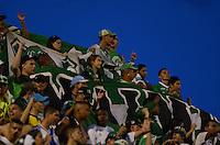 MEDELLÍN -COLOMBIA-21-MAYO-2016. Hinchas del Cali durante el encuentro contra Envigado FC  por la fecha 19 de Liga Águila I 2016 jugado en el estadio Polideportivo Sur ./ Fans of   Cali fighs the ball against  Envigado FC during the match against Envigado FC   for the date 19 of the Aguila League I 2016 played at Polodeportivo Sur   stadium  . Photo: VizzorImage / León Monsalve  / Contribuidor