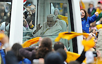 """Papa Benedetto XVI alla Santa Messa in Piazza San Carlo.Torino 02/05/2010 .Visita di Papa Benedetto XVI alla Sacra Sindone esposta a Torino.Foto Giorgio Perottino / Insidefoto .Pope Benedict XVI celebrates a Mass in Piazza San Carlo, Torino, may, 02, 2010..Pope Benedict XVI inside the """"Papa mobile"""""""