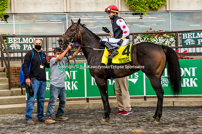 OCT 04, 2020 : Wet Your Whistle with Jose Ortiz aboard, wins the Grade 3 Belmont Turf Sprint Invitational Stakes, for 3 year olds, going 6 furlongs on the turf at Belmont Park, Elmont, NY.  Sue Kawczynski/Eclipse Sportswire/CSM