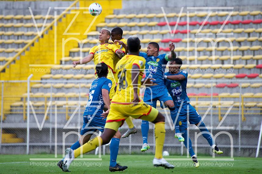 BOGOTA - COLOMBIA, 25-11-2020: Bogota F.C. y Itagüi Leones F. C., durante partido de la fecha 19 de los Cuadrangulares Semifinales del Torneo BetPlay DIMAYOR 2020 jugado en el estadio Metropolitano de Techo  en la ciudad de Bogota. / Bogota F.C. and Itagüi Leones F. C., during the date 19 of the Semifinals Quadrangular for the BetPlay DIMAYOR 2020 Tournament  played at the Metropolitano de Techo de stadium in Bogota city. / Photo: VizzorImage / Samuel Norato / Cont.