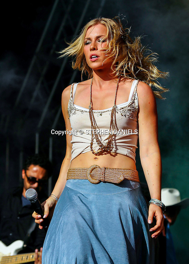 PHOTO BY © STEPHEN DANIELS 3/07/2005<br /> NATASHA BEDINGFIELD AT ROCKINGHAM RACE CIRCUIT, CORBY, NORTHANTS
