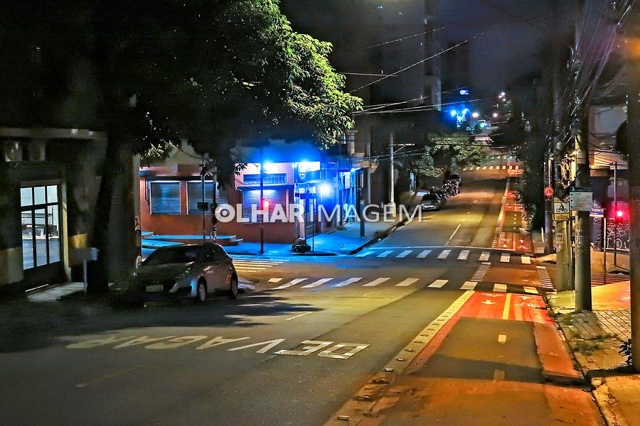 Comercio fechado, quarentena Coronavirus. Bairro Sumare, Sao Paulo. 04.04.2020. Foto Juca Martins