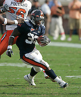 UVa football runningback Wali Lundy for the Virginia Cavaliers playing in Scott Stadium at the University of Virginia in Charlottesville, VA. Photo/Andrew Shurtleff.