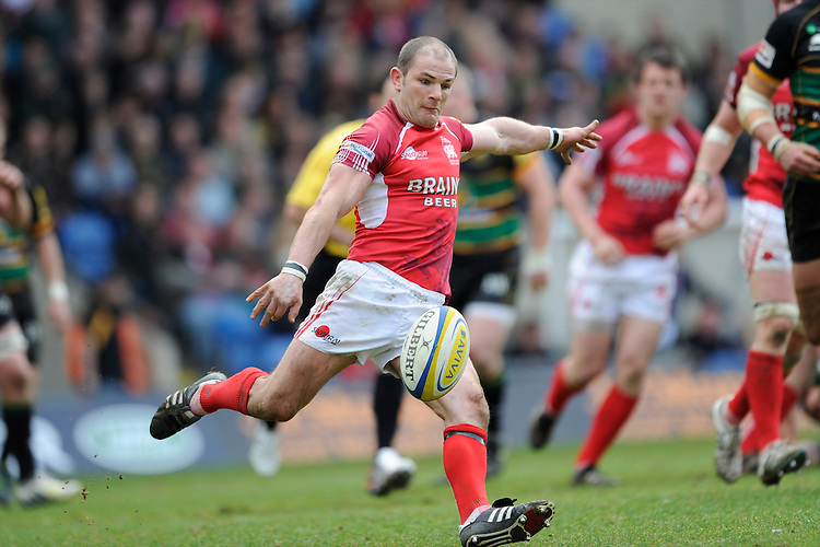 Gordon Ross of London Welsh during the Aviva Premiership match between London Welsh and Northampton Saints at the Kassam Stadium on Sunday 14th April 2013 (Photo by Rob Munro)