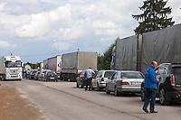 Zilupe, Latvia, 21/07/2013.<br /> Traffic queue at Latvia - Russia border on the E22.