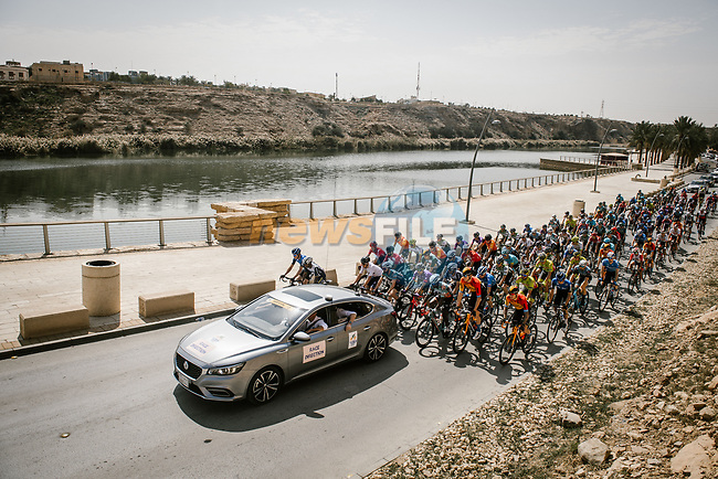 The start of Stage 4 of the Saudi Tour 2020 running 137km from Wadi Namar Park to Al Muzahimiyah King Saud University, Saudi Arabia. 7th February 2020. <br /> Picture: ASO/Pauline Ballet | Cyclefile<br /> All photos usage must carry mandatory copyright credit (© Cyclefile | ASO/Pauline Ballet)
