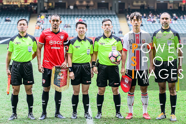 Muangthong United Forward Teerasil Dangda (l) and FC Seoul Forward Park Chu Young (r) during the 2017 Lunar New Year Cup match between Muangthong United FC and FC Seoul on January 31, 2017 in Hong Kong, Hong Kong. Photo by Marcio Rodrigo Machado / Power Sport Images