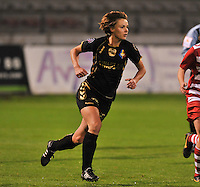 20131018 - ANTWERP , BELGIUM : Telstar Karin Legemate  pictured during the female soccer match between Royal Antwerp FC Ladies and Telstar Vrouwen Ijmuiden , of the Eight' matchday in the BENELEAGUE competition. Friday 18 October 2013. PHOTO DAVID CATRY