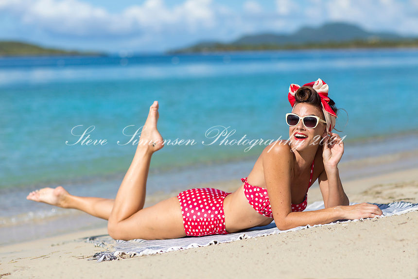 Retro styled model<br /> Sun Bay<br /> Vieques