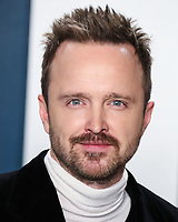 BEVERLY HILLS, LOS ANGELES, CALIFORNIA, USA - FEBRUARY 09: Aaron Paul arrives at the 2020 Vanity Fair Oscar Party held at the Wallis Annenberg Center for the Performing Arts on February 9, 2020 in Beverly Hills, Los Angeles, California, United States. (Photo by Xavier Collin/PictureGroup)