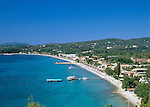 Greece, Corfu, Ypsos: View over holiday village and bay | Griechenland, Korfu, Ypsos: Urlaubsort mit Bucht und Strand