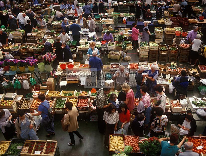 Europe/France/Aquitaine/64/Pyrénées-Atlantiques/Pau : Le marché fermier sous les halles