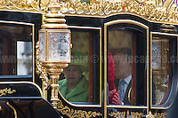 01.11.2016 - HM Queen Elizabeth II Welcomes Colombian President Santos - The Mall