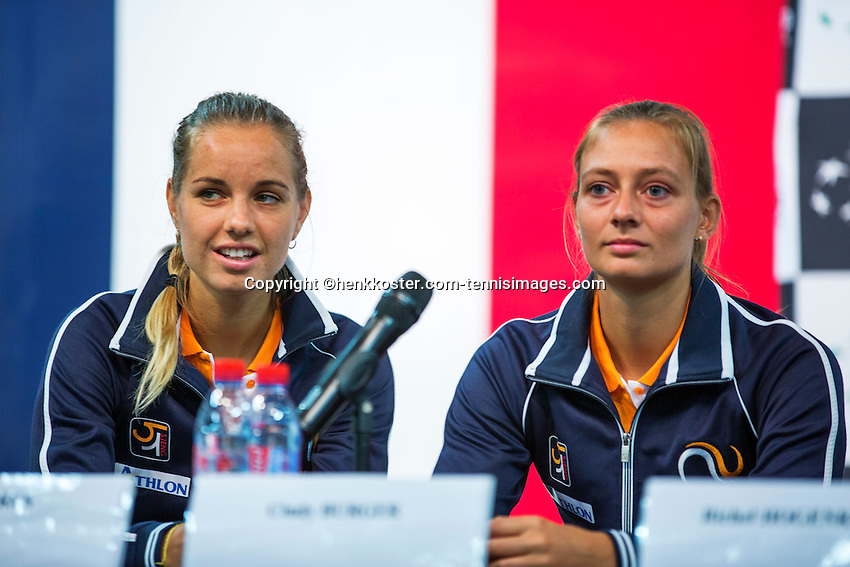 Arena Loire,  Trélazé,  France, 14 April, 2016, Semifinal FedCup, France-Netherlands, Draw,  Ltr: Arantxa Rus and Cindy Burger<br /> Photo: Henk Koster/Tennisimages