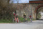 The peloton on sector 5 Lucignano d'Asso during Strade Bianche 2019 running 184km from Siena to Siena, held over the white gravel roads of Tuscany, Italy. 9th March 2019.<br /> Picture: Seamus Yore   Cyclefile<br /> <br /> <br /> All photos usage must carry mandatory copyright credit (© Cyclefile   Seamus Yore)