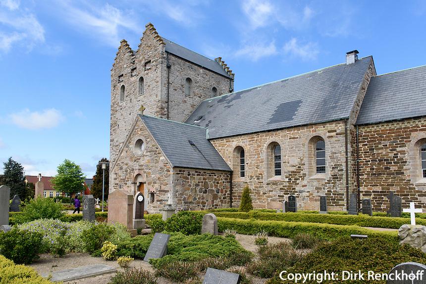 Bornholmer Dom (Åkirke), 12.Jh.  in Åkirkeby auf der Insel Bornholm, Dänemark, Europa<br /> Bornholm Cathedral  (Åkirke), 12.c.  in Åkirkeby, Isle of Bornholm Denmark
