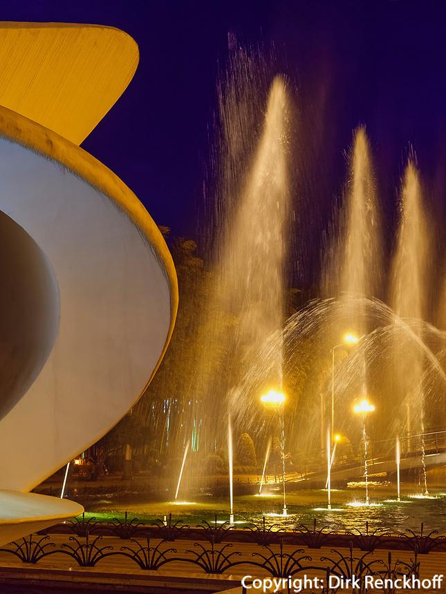 Konzertmuschel bei den Tanzenden Fontänen am  Batumi Boulevard, Batumi, Adscharien - Atschara, Georgien, Europa<br /> bandshell at dancing fountains, Batumi, Adjara,  Georgia, Europe