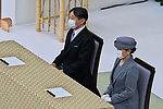 Japan's Emperor Naruhito(L) and Empress Masako wearing face masks attend the memorial service for the war dead of World War II marking the 75th anniversary in Tokyo, Japan on August 15, 2020. (Photo by AFLO)
