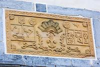France, Aquitaine, Pyrénées-Atlantiques, Pays Basque, Espelette: Linteau de l'ancien château des Barons d'Espelette // France, Pyrenees Atlantiques, Basque Country, Espelette:  Lintel of the old castle of the Barons of Espelette
