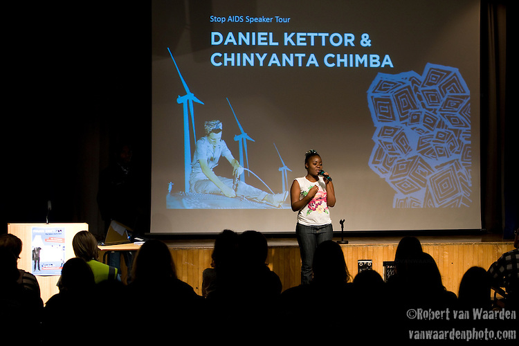 Chinyanta Chimba speaks to the crowd at Powershift UK. Over 250 young people from all over the UK and the World attended PowerShift in London. The UKYCC PowerShift Conference, held on Oct. 9-12, brought together over 250 young people from across the United Kingdom and the world to discuss climate change. The conference taught them how to  organize, build a social movement and take creative and intelligent action to tackle the climate crisis. Institute of Education, London, United Kingdom (2009 ©Robert vanWaarden)