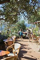Europe/France/2B/Haute Corse/Balagne/Pigna: Terrasse du café: A Casarella