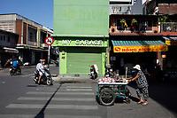Photographie de rue a Saigon avant Noel 2019 par Roussel Fine Art Photo