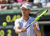 London, England, 6 th July, 2016, Tennis, Wimbledon, Quarter final men, Sam Querrey (USA) in action during his match against Milos Raonic (CAN)<br /> Photo: Henk Koster/tennisimages.com