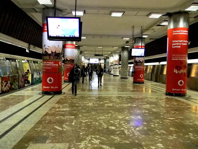 ROUMANIE, Bucarest, station du metro Politehnica, 7.11.2011. Gens du transport publique. La station du metro Politehnica. © Ioana Constantina/ Florian Iancu