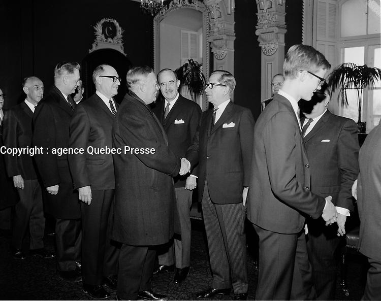 ARCHIVE <br /> <br /> Le Premier ministre et chef de l'union-Nationale<br /> Daniel Johnson<br /> , 1967 (date exacte inconnue)<br /> <br /> Photographe : Photo Moderne
