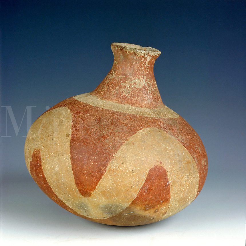 Pre-Columbian pottery. An intact jar recovered from a burial mound in southern Arkansas. Attributed to the Caddo tribe. In museum in Little Rock, AR. Little Rock, Arkansas.