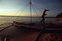 Boatman. Pagudpud, Ilocos Norte; 12 February 2002