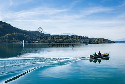Oesterreich, Kaernten, Blick von Poertschach ueber den Woerthersee   Austria, Carinthia, view from Poertschach across Lake Woerthersee