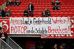 Nederland, Enschede, 26 april  2015<br /> Eredivisie<br /> Seizoen 2014-2015<br /> FC Twente-AZ<br /> Protest van supporters van FC Twente die vinden dat de technische staf van FC Twente moet opstappen