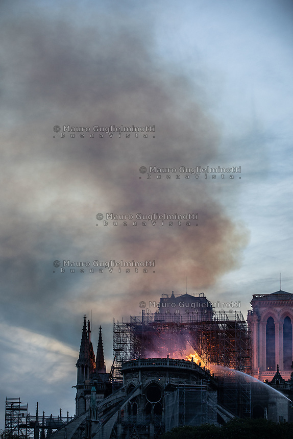 Notre DAme in fiamme  15/4/2019 Notre dame in fire