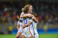Belo Horizonte, Brazil - Saturday, August 6, 2016: The USWNT go up 1-0 over France from a goal by Carli Lloyd in second half action in Group G play during the 2016 Olympics at Mineirão stadium.