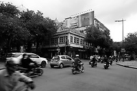 street life in Ho-Chi-Minh city district 1
